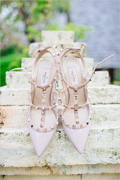 Pink studded Valentino pumps @weddingchicks