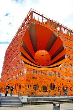 Quartier Confluence à Lyon 96 le Cube Orange