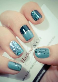 i like the half glitter half solid. Frensh Nails, Get Nails, Fancy Nails, Blue Nails, Manicures, How To Do Nails, Pretty Nails, Hair And Nails, Sparkle Nails