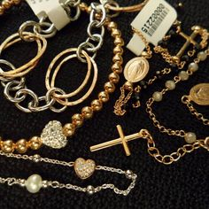 Bellas pulseras de plata italiana con la última tendencia y con un precio 👌👍 ideales para regalar y regalarte aquí en 1920 V&N Antiques!  Teléfono :3032661   Visítanos en Calle 56 Obarrio, Búscanos en Waze y Google Maps como 1920 V&N Antiques y no te pierdas 😉 #madeinitaly #pulseras #regalos #tiendaderegalos #regalosbodas #bodas #regalosespeciales #elregaloperfecto #prendasdeplata #silverjewelry #jewellery #1920antiques #1920vnantiques #panama #obarrio #pty