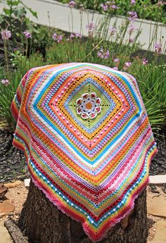 Keito Palette: Around-the-Bases Crochet Along starting August 9th 2015. Substitute your favourite block for the centre. Any Gauge. Ravelry group here: http://www.ravelry.com/discuss/around-the-bases-cal/3237500/1-25