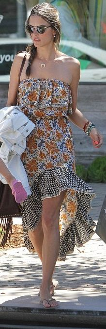 Who made Alessandra Ambrosio's strapless floral print dress that she wore in Malibu? Dress – Tolani