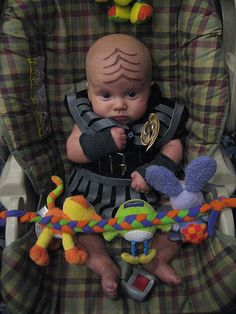 Readons I'm single and should never become a father 1701D. I would do things like this to my children. Klingon Baby