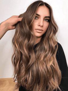 Brown Hair Inspo, Warm Brown Hair, Brown Hair With Blonde Highlights, Light Brown Hair, Light Hair, Hair Highlights, Brown Hair Caramel Lowlights, Brown Highlighted Hair, Lighter Brown Hair Color