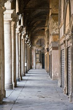 Vicenza, Italy my hometown Verona Italy, Florence Italy, Vicenza Italy, Andrea Palladio, Classical Architecture, Historical Architecture, Beautiful Buildings, Beautiful Places, Monuments