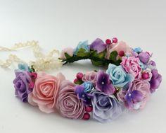 Haarblüten - Blumenkrone / Blumenkranz / Haarblüten/ Elfenkrone - ein Designerstück von LolaWhite bei DaWanda