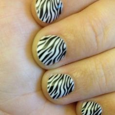 Zebra fingernails