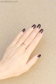 Lengthen shorter nails with this sassy design.