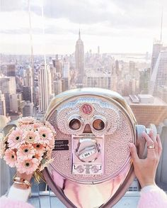 ♡Stay classy princess♡Pinterest: ♡Princess Ꭿnna-Louise♡ City That Never Sleeps, Pretty Pastel, Pastel Pink, Pastel Colors, Aesthetic Pastel, City Aesthetic, Aesthetic Photo, Rockafeller Center, New York Flower