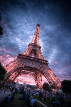 Enjoy sunset at the Eiffel Tower, Paris