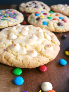 Yellow Cake Mix Cookies 6 Ways Yellow Cake Mix Cookies, Yellow Cake Mixes, Cake Mix Recipes, Fruit Recipes, 4 Ingredient Recipes, Cake Decorating With Fondant, Berry Cake, Christmas Sweets, Cakes For Boys