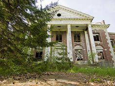 Narros Sanitarium Exterior