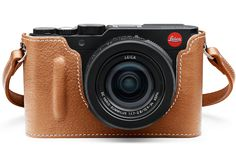 Leica D-Lux Type 109 with Camera Protector and Carrying Strap in Leather Coganc