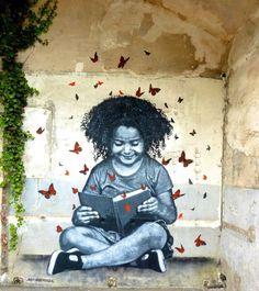 Reading on the street, graffiti Jef Aerosol / Leyendo en la calle, grafiti de Jef Aerosol.