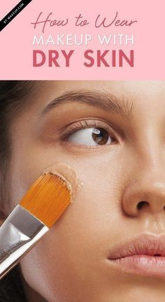When you have dry skin on your face, it can be difficult to wear the makeup that you want. Take these skincare tips and apply them to your makeup routine when your dry skin refuses to behave. Here's how to ensure an all-day, flake-free complexion. How To Wear Makeup, How To Apply Makeup, Applying Makeup, Beauty Blender, Beste Concealer, Dry Skin Remedies, Olive Skin, Best Face Products, Home Remedies