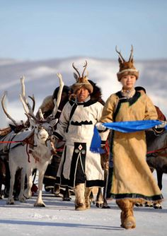 Mongolian dress has changed little since the days of the empire, because it is so well-adapted to the conditions of life on the steppe and the daily activities of the nomads.