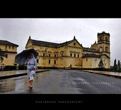 In to the rain ,  Se cathedral , Goa