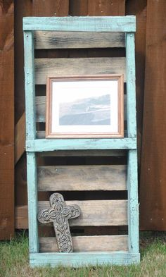 2 tier shelf from an upcycled pallet. $40.00, via Etsy.