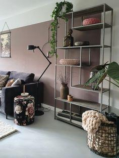 nieuwe muurkleur in onze woonkamer - - Beige Living Rooms, Living Room Trends, Home Living Room, Living Room Decor, Pastel Home Decor, Pastel Room, Living Room Storage, Transitional Decor, Room Decor Bedroom