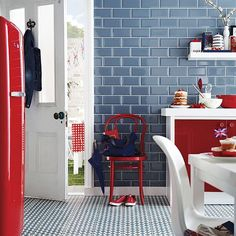 Don't be afraid to mix bold colour and pattern. Beautiful Kitchens loves this eye-catching combination of vivid red accessories and modern Victorian flooring, Henley Cool, by Topps Tiles. Grey Home Decor, Home Decor Kitchen, Kitchen Ideas, Kitchen Tile, Kitchen Designs, Beddinge, Topps Tiles, Small Tiles, Metro Tiles