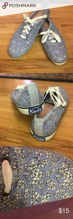Keds sneakers Super cute pattern! Only worn once! Keds Shoes Sneakers