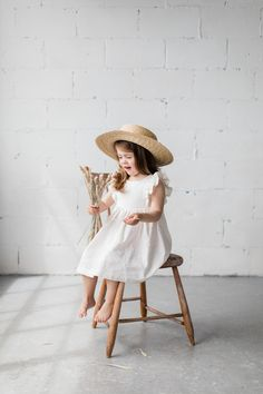 Khanh Co - The Flutter Dresses — Elza Photographie Children Photography, Newborn Photography, Family Photography, Baby Girl Fashion, Kids Fashion, Shooting Studio, Kids Studio, Foto Baby, Kid Poses