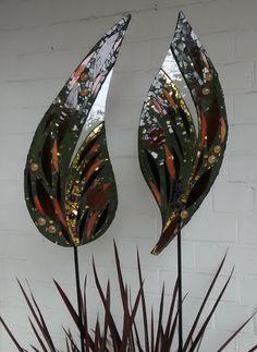 Golden Leaves Mosaic Garden Art, Mosaic Tile Art, Mosaic Crafts, Mosaic Projects, Mosaic Glass, Fused Glass, Art Projects, Leaded Glass, Stained Glass Art