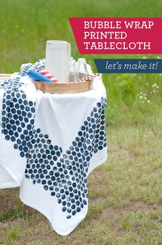 Cute for all your summer celebrations! DIY: Print your own tablecloth with Bubble Wrap.