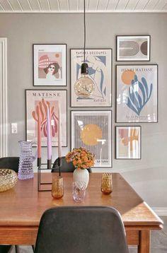 Composição de Quadros: Como Fazer, Dicas e Fotos para se Inspirar Pastel Room, Aesthetic Room Decor, Room Decor Bedroom, Home Interior Design, Room Inspiration, Decoration, Home Decor, Future, Wall