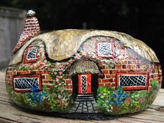 English+style+cottage+hand+painted+on+stone+by+Lizzarttcreations