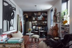 Small living room in a New York Pied-À-Terre of Kelly Framel
