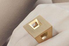 Modern Jewelry // golden geometric ring by Antonio Bernardo