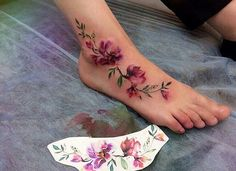 52 Gorgeous Foot Tattoo Design Ideas Small tattoos are cute and lovely. Floral tattoos are always highly popular among women. Last Words Foot tattoos are certainly […] Gorgeous Tattoos, Pretty Tattoos, Unique Tattoos, Vine Tattoos, Body Art Tattoos, Tattoo Aquarelle, Floral Foot Tattoo, Watercolor Foot Tattoo, Tattoo Flowers