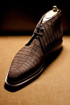 TYE Shoemaker Bespoke Crocodile Chukka Boots - all black mens shoes, popular mens casual shoes, wide mens shoes Gentleman Shoes, Fashion Shoes, Mens Fashion, Fashion Rings, Well Dressed Men, Men S Shoes, Luxury Shoes, Stylish Men, Shoe Collection