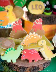 Festa Dinossauros: como foi a festinha de 5 anos do Leo. Decoração, doces, diversão e muito mais. Todos os detalhes em fotos e até vídeo.