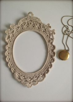 crochet frame - by HandKlappa on Etsy