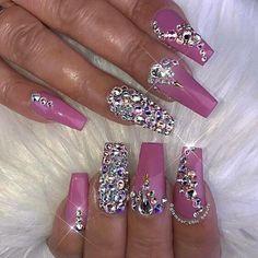 Uñas decoradas pretty nails nails, nail designs и rhinestone Bling Nails, Ongles Bling Bling, Glam Nails, Hot Nails, Rhinestone Nails, Fancy Nails, Bling Nail Art, Nail Art Rhinestones, Cute Acrylic Nail Designs