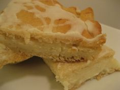 Cream cheese danish with crescent rolls - I used one cream cheese and half splenda/half sugar. It turned out great! No Bake Desserts, Just Desserts, Delicious Desserts, Yummy Food, Healthy Food, Crescent Recipes, Cream Cheese Danish, Easy Cheese, Danish Food