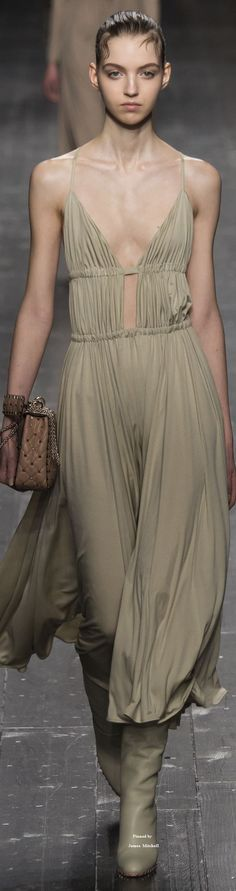 Valentino Collections Fall 2016 collection~ヮ゚。ᄽᄿ*:・゚✧