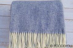 Kvalitná vlnená deka modrá