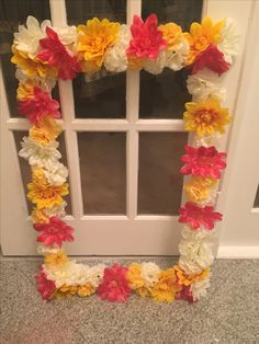 DIY Floral Photobooth Prop - for mendhi/sangeet parties - all materials from local Dollar Store