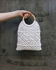 Basic Macrame Knots : Step by Step Guide Macrame Purse, Macrame Knots, Crochet Wallet, Net Bag, Macrame Projects, Cotton Bag, Cotton Rope, Macrame Patterns, Knitted Bags