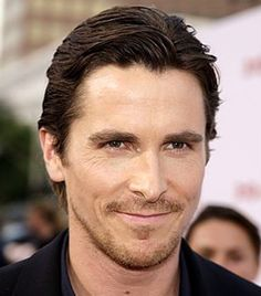 i know he has a temper problem, but how can you stay mad at this face Batman Begins, Christian Grey, Christian Bale, Best Actor, Easy Updo, Most Handsome Men, American Hustle, American Psycho, Men Celebrities