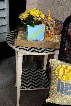 Bútor dekupázs: cikk-cakkos asztal