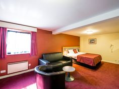 Discover Pendulum Hotel for conferences, mid-week and weekend breaks, Manchester. Ideally located near Manchester Piccadilly & The Palace Theatre. Manchester Piccadilly, Manchester Hotels, Step Inside, Perfect Place, Relax, Keep Calm