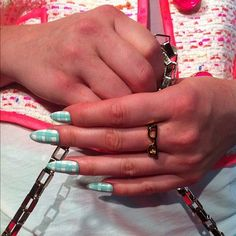 Gingham nails at kate spade new york Photographed by Naomi Nevitt Kate spade #nyfw #nails