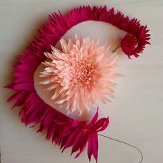 I learned these wonderful technique from she is very creative very talented and one of my favorite italian paper artist 😍 paper crepepaper italianpaper Crepe Paper Flowers Tutorial, Paper Flowers Craft, How To Make Paper Flowers, Large Paper Flowers, Paper Flowers Wedding, Flower Crafts, Diy Flowers, Fabric Flowers, Paper Crafts