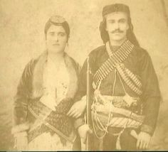 Santeos: Έθιμα του γάμου:Το ξούρισμα του γαμπρού και του κο...