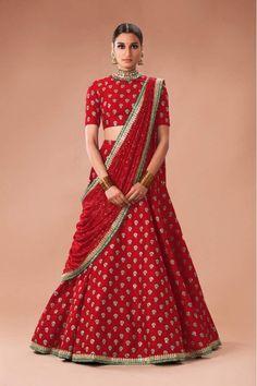 9604a841c0640 36 Best Sabyasachi Lehengas images | Indian clothes, Indian fashion ...