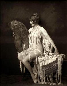 Ruth Etting  Photo by Alfred Cheney Johnston  She made her Broadway debut in  the Ziegfeld Follies of 1927.